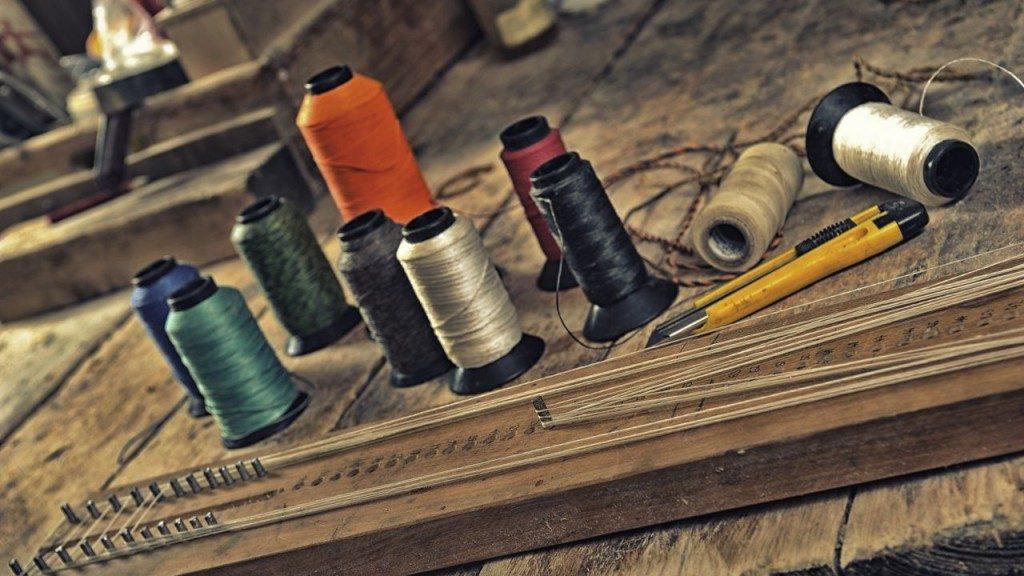 16.1   Bogensehne bauen mit dem Sehnenbrett